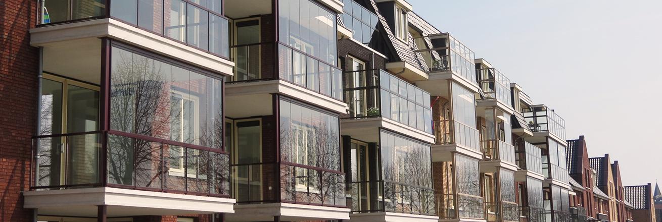 Glas zetten balkon